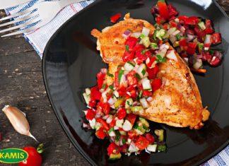 Pui la gratar cu salsa fresca