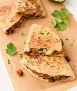 Tortilla cu amestec de porumb si fasole
