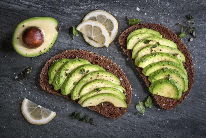 De ce e bine sa mancati avocado