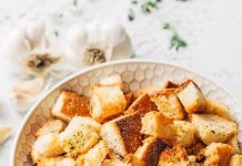 crutoane de paine aromate