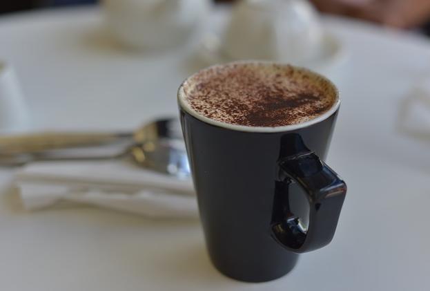 Ciocolata calda, cu lapte praf degresat