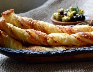 Whole Wheat Puff Pastry Cheese Sticks with Pesto Dip