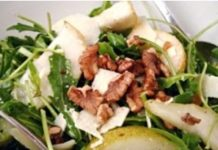 salata de rucola pere nuci si parmezan
