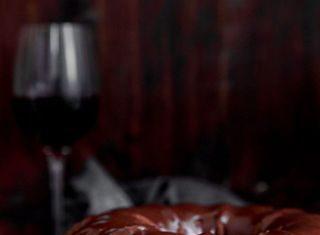prajitura cu ciocolata si vin rosu