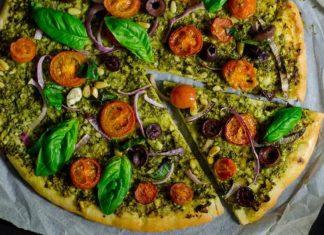 Pizza vegetariana cu Pesto