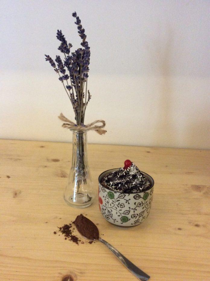 Mousse de ciocolata raw vegan