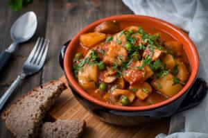 tocanita de cartofi cu ciuperci proaspete