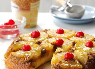 tort cu ananas nuci pecan si cirese confiate